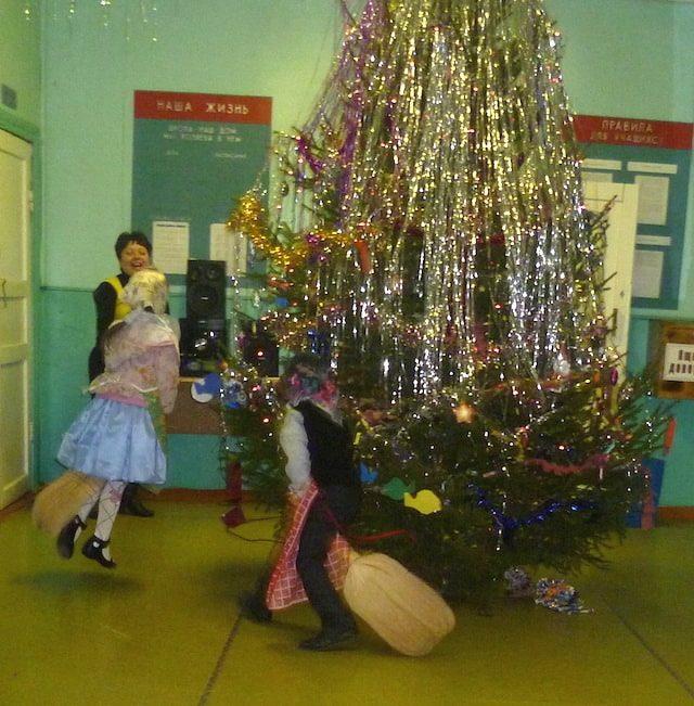 Новогодний огонёк в школе